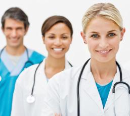 Somente os médicos podem diagnosticar corretamente as doenças com base em sintomas